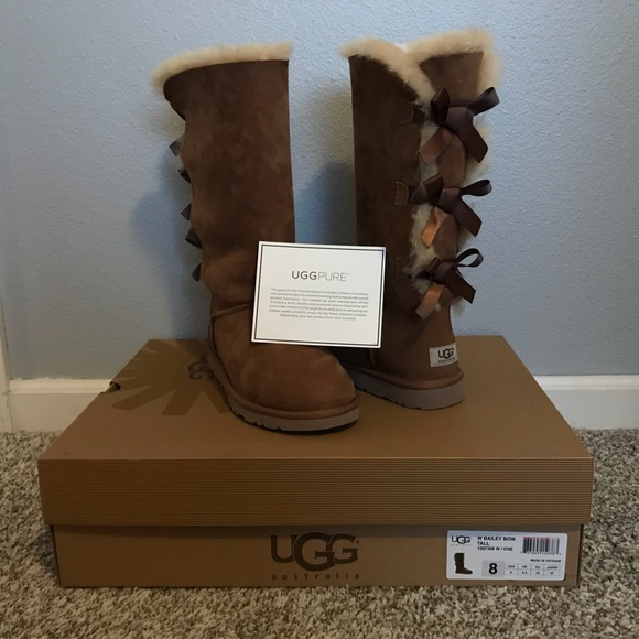 0ec8c3433de UGG women's bailey bow tall boot with box
